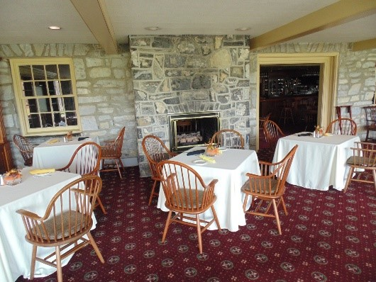 The Fairway Dining Room at Lebanon Country Club